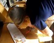 Jak zrobić old school'ową deskorolkę w domu.