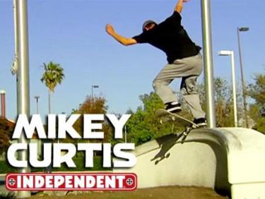 Mikey Curtis nowa reklamówka
