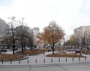 Nie dla zakazu jazdy na deskorolce na Placu Grzybowskim.