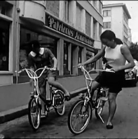 Paris Gris #2 - A bicyclette