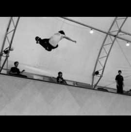 Ronnie Sandoval Padless Vert Skating!! -