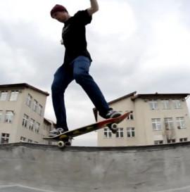 Semper Skateboards testuje park Dąbrowa